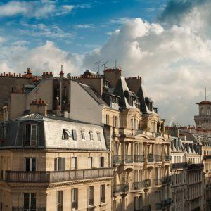 Acheter ou vendre un bien immobilier depuis l'étranger