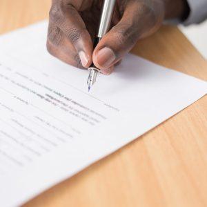 Que se passe-t-il si un acquéreur décède au cours d'un compromis de vente immobilière ?