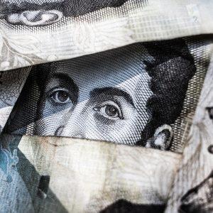 Comment gérer ses transferts d'argent pour investir depuis l'étranger?