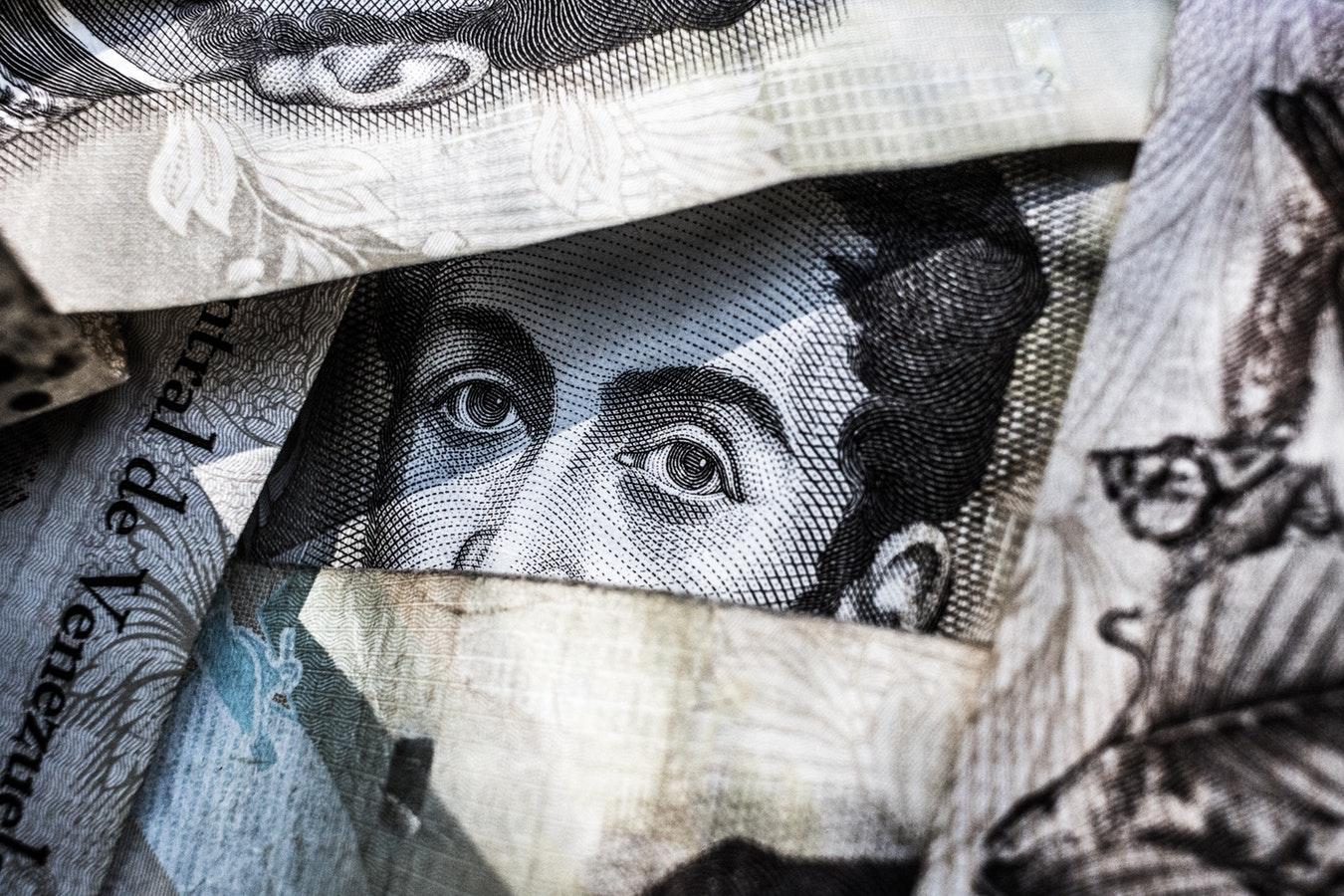 comment gérer ses transferts d'argent depuis l'étranger