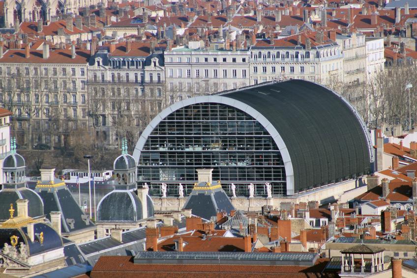 Lyon une ville en pleine mutation o il fait bon for Piscine a lyon