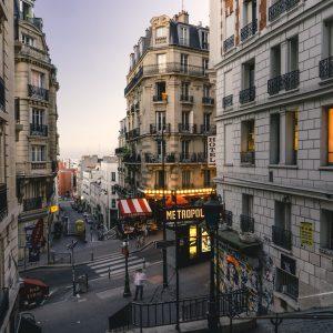 Quartier populaire vs. quartier bourgeois : où investir ?